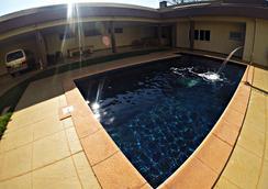 Hostel Saint Patricks - 포스두이구아수 - 수영장
