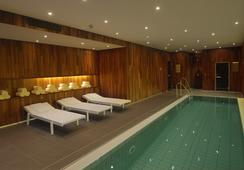 사나 베를린 호텔 - 베를린 - 수영장