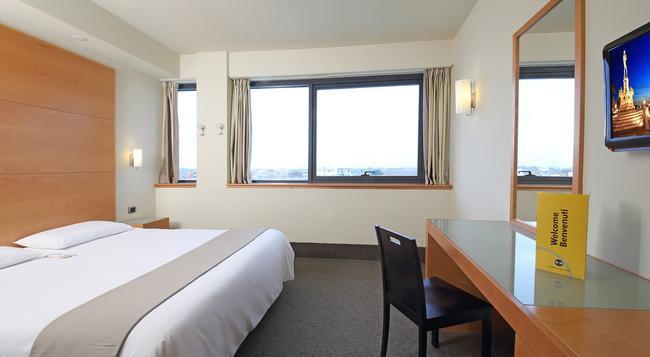 B&B 호텔 피사 - 피사 - 침실