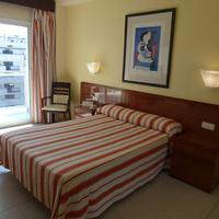 Hotel Los Patos Park Guestroom