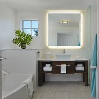 더 마커 워터프런트 리조트 Bathroom