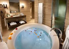 호텔 카부르 - 밀라노 - 욕실