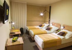호텔 골프 디판단스 - 프라하 - 침실