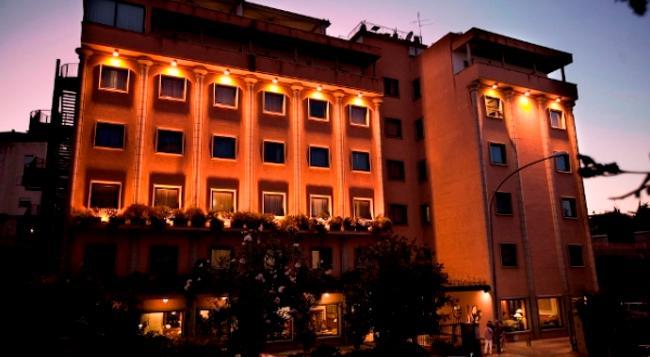 그랜드 호텔 티베리오 - 로마 - 건물