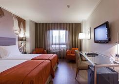 호텔 마르케스 드 폼발 - 리스본 - 침실