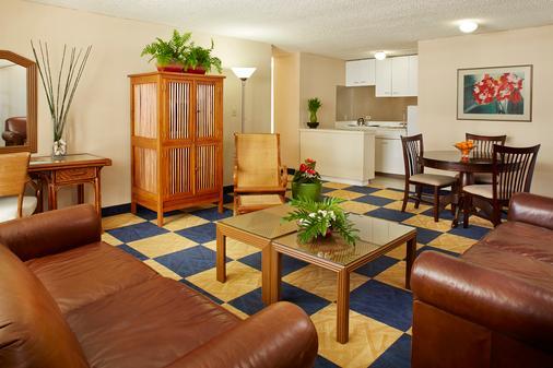에바 호텔 와이키키 - 호놀룰루 - 거실
