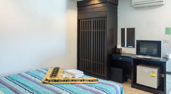 파통 레지던스 호텔 - 푸켓 - 침실