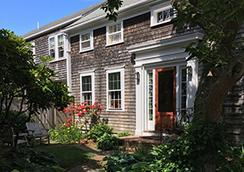 The Chestnut House - 낸터컷 - 건물