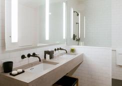 카사 호텔 타임스 스퀘어 - 뉴욕 - 욕실