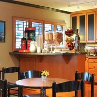 트레블롯지 시애틀 바이 더 스페이스 니들 Breakfast Area