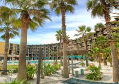 Hawaiian Inn Daytona Beach By Sky Hotels And Resort - 데이토나비치 - 건물