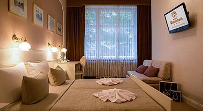 호텔 비텔스바흐 암 쿠르퓌르스텐담 - 베를린 - 침실