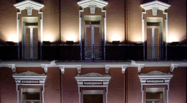 Hotel Adria - 바리 - 건물