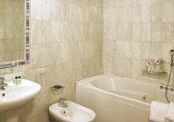호텔 파나마 - 피렌체 - 욕실