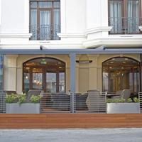 City Avenue Exterior