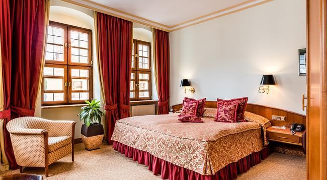 Romantik Hotel Bülow Residenz - 드레스덴 - 침실