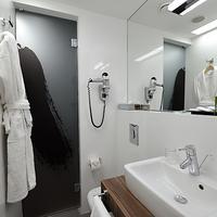 Hotel Nemzeti Budapest Bathroom