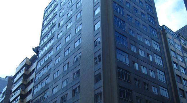 Hotel Acebos Azabache Gijón - 히혼 - 건물