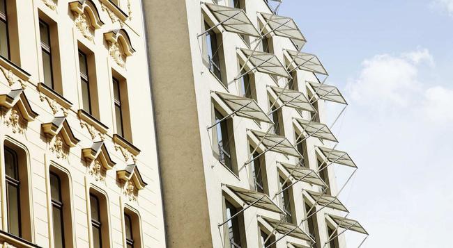 Hotel Josef - 프라하 - 야외뷰