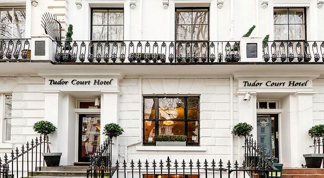 Tudor Court Hotel - 런던 - 건물