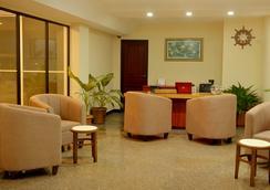 참파 센트럴 호텔 - 말레 - 로비