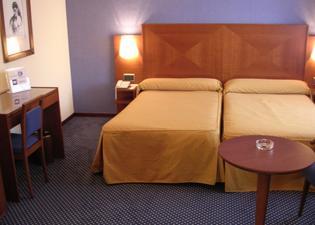 Torreluz Centro Hotel