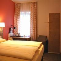 Hotel Azenberg Guest room