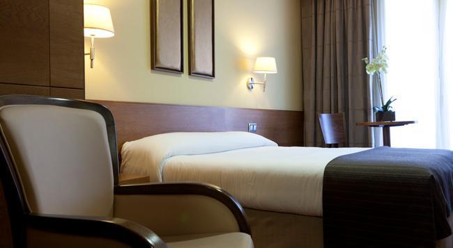 스털링 호텔 - 마드리드 - 침실