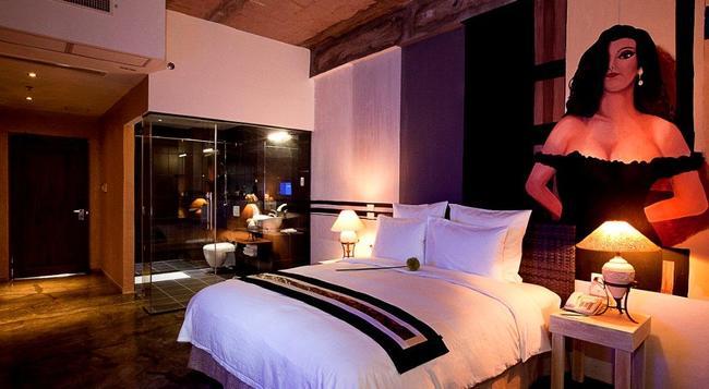 더 헨리 호텔 세부 - 세부 - 침실