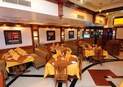 Radhika Beach Resort - Diu - 레스토랑