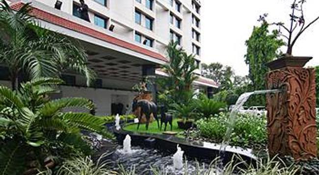 더 오키드 호텔 - 뭄바이 - 건물