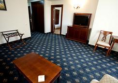 그랜드 호텔 앤 스파 프리모레츠 - Burgas - 침실