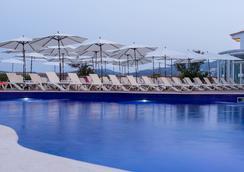 센티도 푼타 델 마르 호텔 & 스파 - 성인 전용 - 산타 폰사 - 수영장