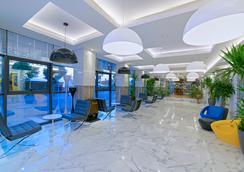 호텔 캅탄 - 알라냐 - 로비