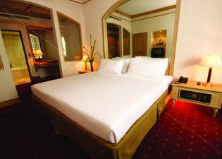 루이스 태번 호텔