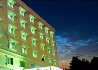 샌디아 호텔