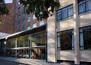 아펙스 시티 오브 런던 호텔
