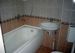 Business Hotel na Bumazhnoy - 상트페테르부르크 - 욕실