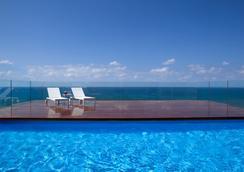 Alexander Tel-Aviv Hotel - 텔아비브 - 수영장