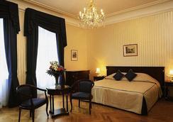 호텔 앰배서더 - 빈 - 침실