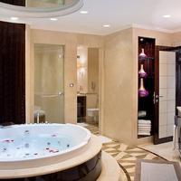 로다 알 부스탄 호텔 Jetted Tub