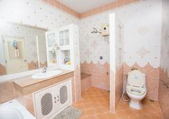 라차 허브 가든 홈스테이 - 치앙마이 - 욕실
