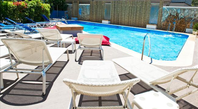 Playas Del Rey - 산타 폰사 - 수영장