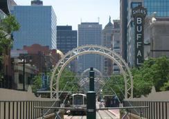 Courtyard Buffalo Downtown / Canalside - 버펄로