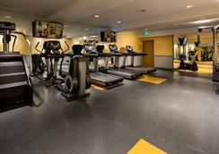 호텔 아벤투라 - 로스앤젤레스 - 체육관