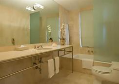 호텔 아스터 - 마이애미비치 - 욕실