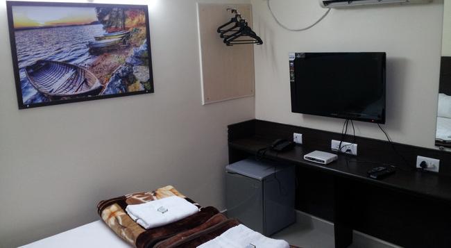 호텔 칸하 그랜드 - 하이데라바드 - 침실
