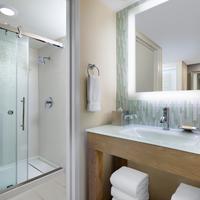 월트 디즈니 월드 돌핀 Dolphin Bathroom Shower