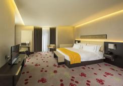 Berd's Design Hotel - Chisinau - 침실