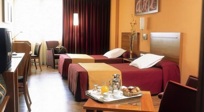 액타 아트호텔 - Andorra la Vella - 침실